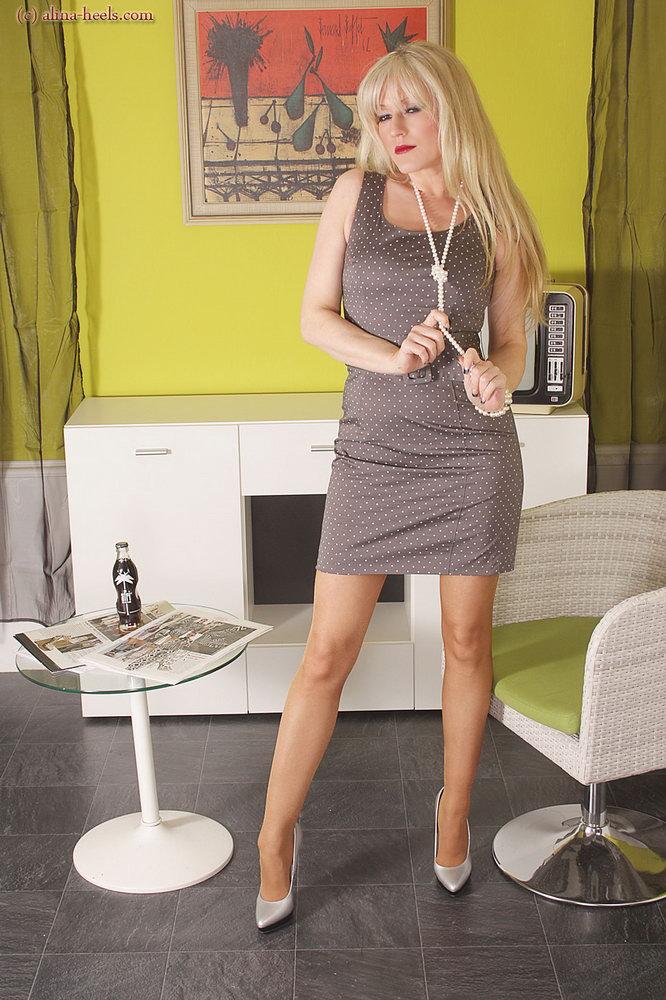 alina heels   pantyhose office   stockings girdles